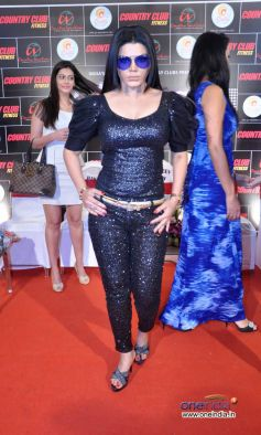 Rakhi Sawant at Country Club New Year Bash 2014  Event