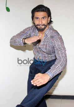 Ranvir Singh dance moves at Radio City