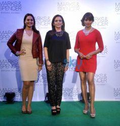 Sonakshi Sinha, Nita Ambani, Bipasha Basu, at Event
