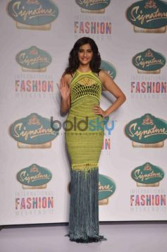 Sonam Kapoor at Signature Fashion Show