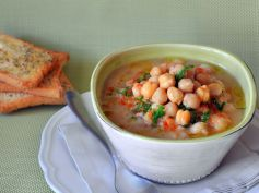 Vegetable Soup With Chikpeas