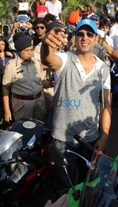 Akshay Kumar at Ride For Safety rally