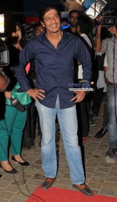 Chunky Pandey at Launch of the store Bandra 190