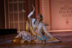 Dance performance at IBFW 2013 Meera Muzaffar Ali Show