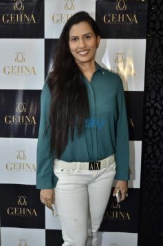 Dr. Poornima Mhatre during Gehna Jewellers 2014 Event