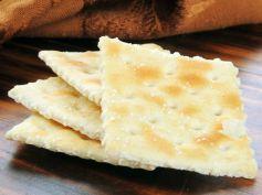 Eat Crackers
