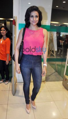 Gul Panag during launches Pantaloons
