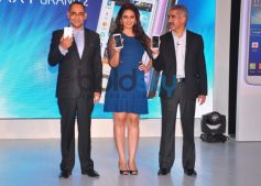 Huma Qureshi launches Samsung GALAXY Grand 2
