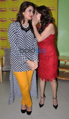 Huma Qureshi & Madhuri At Dedh Ishqiya Promotion