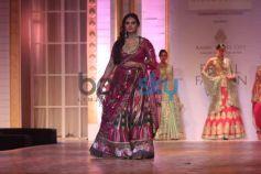 Huma Qureshi walks ramp IBFW 2013 Aashima Leenaa Show