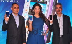 Huma Qureshi with Guest launches Samsung GALAXY Grand 2