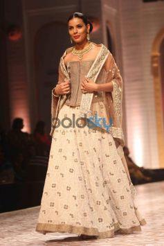 IBFW 2013 Meera Muzaffar Ali Show