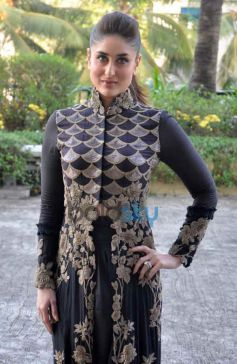 Kareena Kapoor at v vith you app launch Press Conference