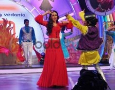 Karisma Kapoor dance performance NDTV Our Girl Our Pride Campaign