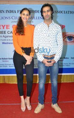 Karle Pyar Karle lead cast at Medical Eye Camp