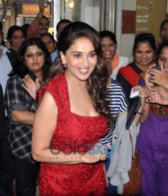 Madhuri Dixit At Dedh Ishqiya Promotion at Radia Mirchi