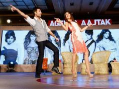 Priyanka Chopra dance moves at the Agenda Aaj Tak program