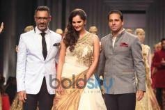Sania Mirza with Shantanu and Nikhil on ramp