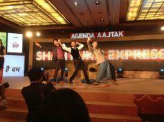 Shahrukh Khan dance moves at the Agenda Aaj Tak program