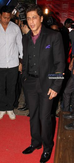 SRK at Launch of the store Bandra 190