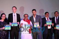 Standard Chartered Mumbai Marathon 2014 Press Conference