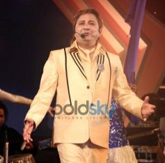 Sukhwinder Singh during Mulund Carnival Festival 2013