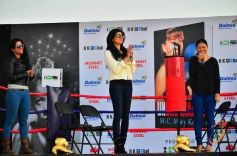Sushmita Sen launches Mary Kom's autobiography