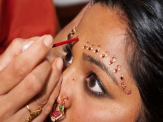 Traditional Way Of Wearing Bindi