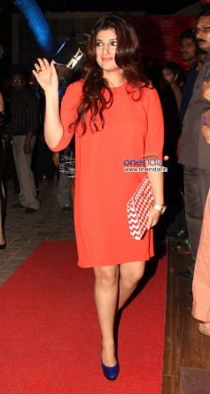Twinkle Khanna at Launch of the store Bandra 190