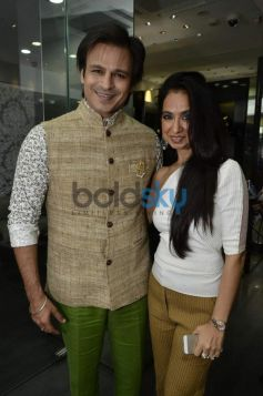 Vivek Oberoi with Kiran Datwani during Gehna Jewellers 2014 Event