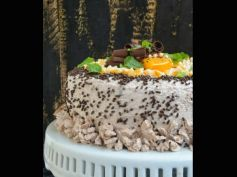 X Mas Spcl Orange Cake With Chocolate frosting