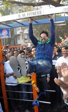 Akshay Kumar at Dino Morea's Fitness studio Launch
