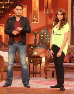 Bipasha Basu Looks Gorgeous at Comedy Nights with Kapil