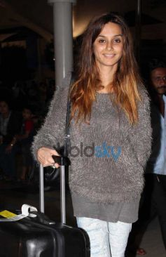 Bollywood Celebs Snapped at Airport