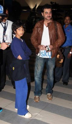 Bollywood Stars Snapped at Airport