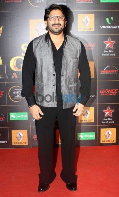 Arshad Warsi stuns at  Star Guild Awards