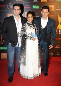 Salman Khan and Arbaaz Khan stuns at  Star Guild Awards