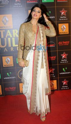 Jacqueline Fernandez stuns at  Star Guild Awards