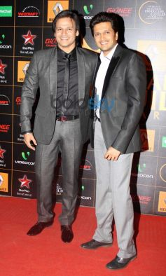 Riteish Deshmukh with Vivek Oberoi stuns at  Star Guild Awards