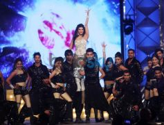 Celebs dance at Mumbai Police's Umang 2014