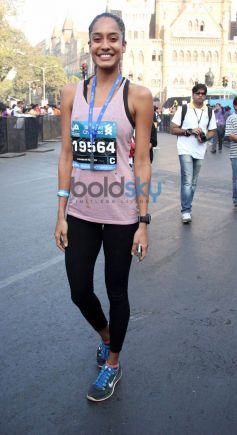 Celebs during Standard Chartered Mumbai Marathon