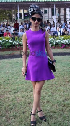 Celebs Stuns at Mid Day Trophy Race