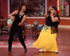 Daisy Shah dance at Comidy Nights with Kapil Show