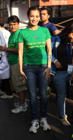 Dia Mirza during Standard Chartered Mumbai Marathon