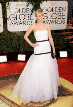 Jennifer Lawrence on red carpet at Golden Globe Awards 2014