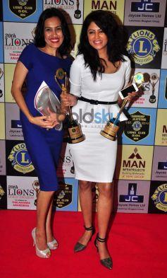 kamya punjabi with kavita kaushik at Lion Gold Awards
