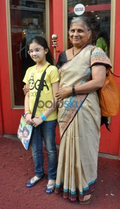 Kashvee R Barjatya with Sudha Murthy during launch