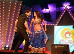 Krishna Abhishek and Kashmira Shah dance Country Club New Year Bash 2014
