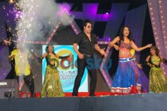 Krishna Abhishek and Kashmira Shah dance Country Club New Year Bash 2014
