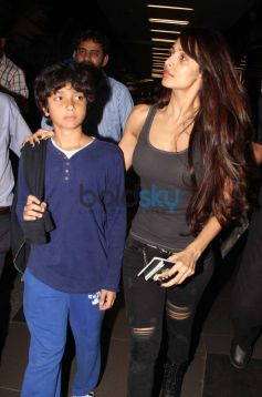 Malaika Arora with family Snapped at Airport